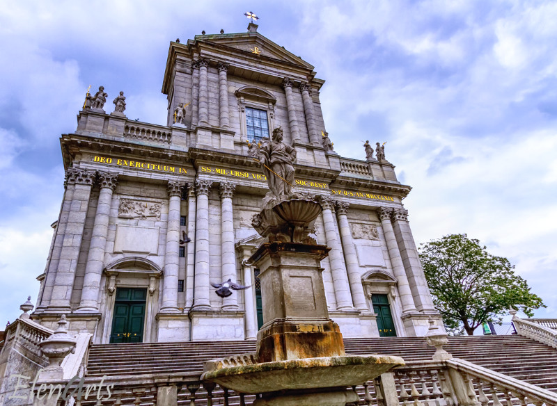 soleure_cathedrale_saint_ours_facade_lr_better2_logo